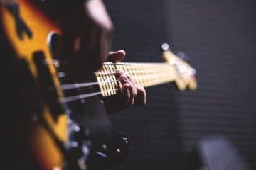 Bass lernen in der Musikerfabrik