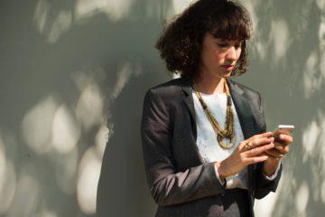 News rund um die Musikerfabrik kannst du bequem per Email oder WhatsApp auf dein Handy bekommen