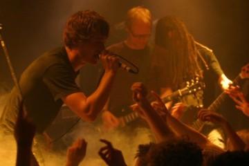 Die Band Madsen im Jahr 2009 bei einem Konzert im Café Grenzbereiche in Platenlaase/Wendland (Timo Vogt)